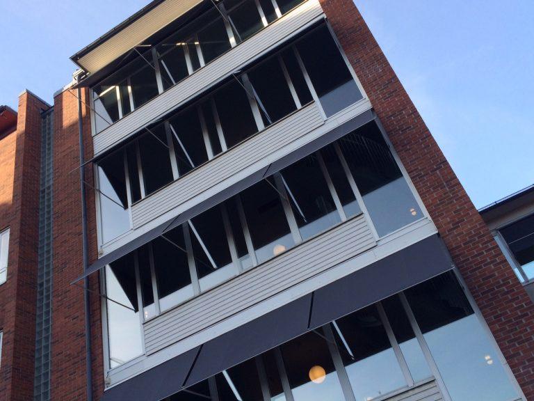 Fönstermarkiser till Karolinska Institutet, Solna