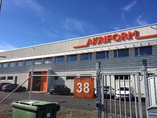 Fasta solskyddslameller, Akriform i Upplands Väsby