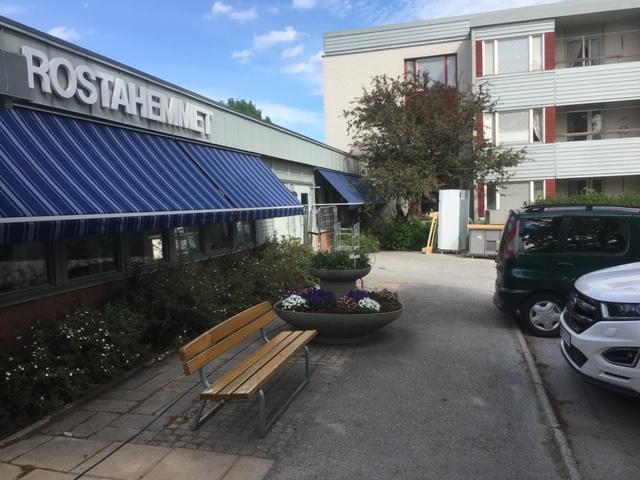 Fönstermarkiser, Råstahemmet i Örebro